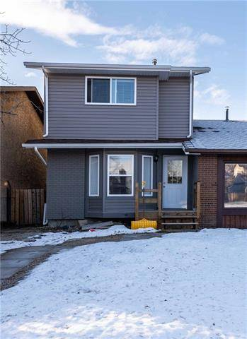Townhouse for sale at 4243 49 St Northeast Calgary Alberta - MLS: C4279233