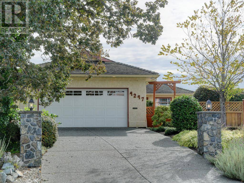 House for sale at 4247 Westervelt Pl Victoria British Columbia - MLS: 416124