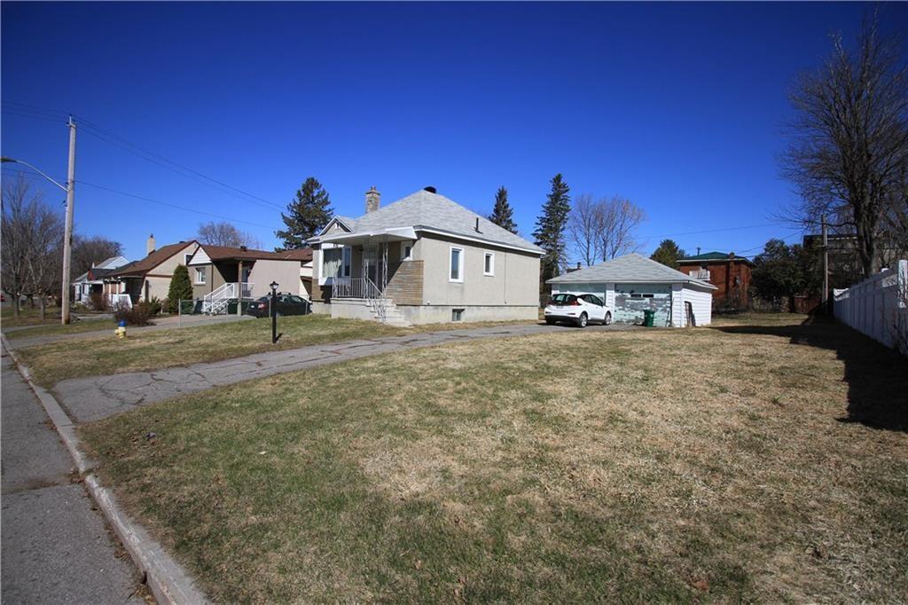 Removed: 425 Blake Boulevard, Ottawa, ON - Removed on 2019-06-03 06:39:13