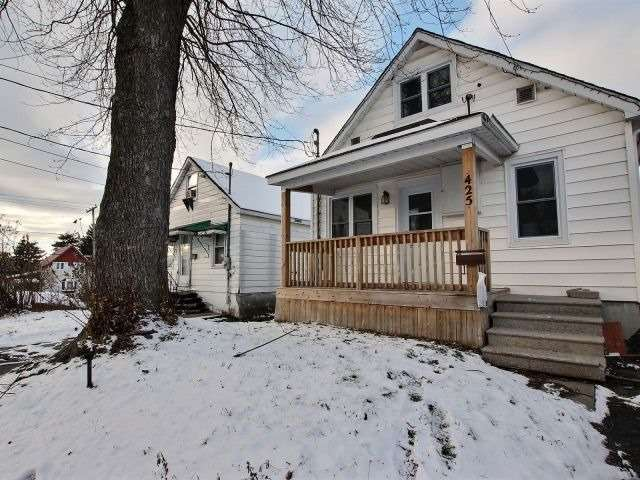 For Sale: 425 Gillespie Avenue, Cornwall, ON | 2 Bed, 1 Bath House for $139,500. See 20 photos!