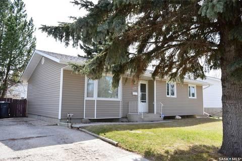 House for sale at 425 Meighen Cres Saskatoon Saskatchewan - MLS: SK768420