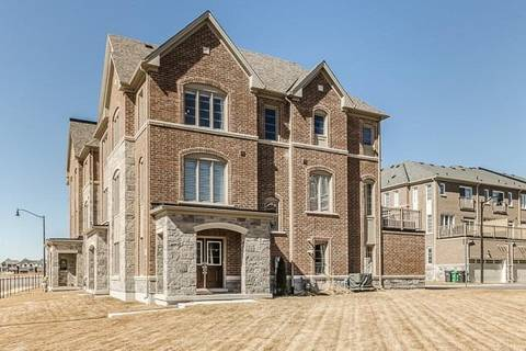 Townhouse for sale at 425 Rivermont Rd Brampton Ontario - MLS: W4399494