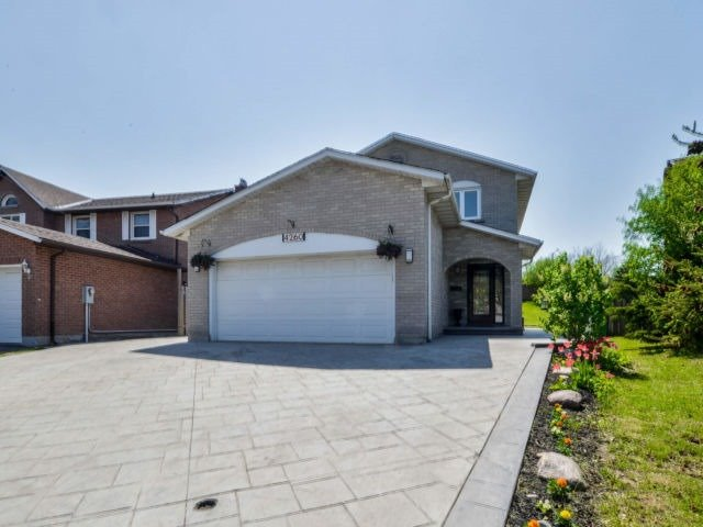 For Sale: 4260 Sugarbush Road, Mississauga, ON | 4 Bed, 3 Bath House for $1,038,888. See 20 photos!