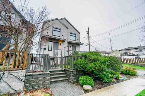 Townhouse for sale at 4262 Inverness St Vancouver British Columbia - MLS: R2431555