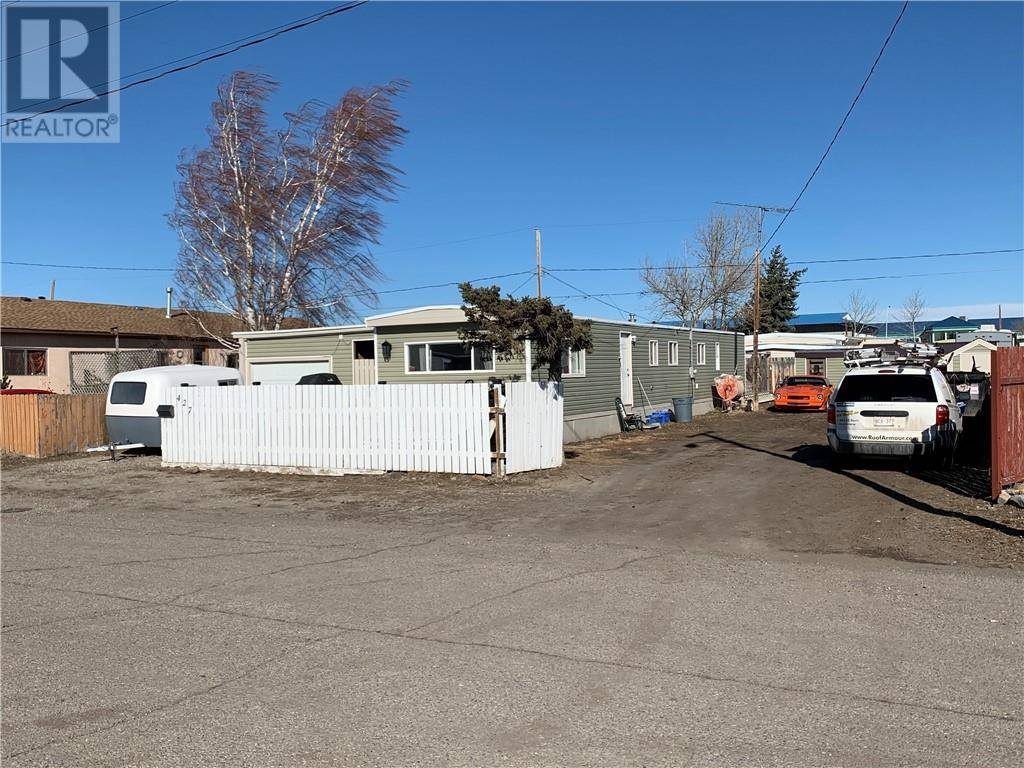 Residential property for sale at 427 10 St Fort Macleod Alberta - MLS: ld0189874