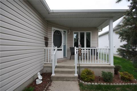 Townhouse for sale at 427 Mayhew St Renfrew Ontario - MLS: 1154680