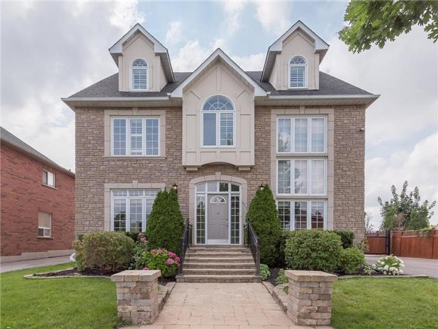 Sold: 427 River Glen Boulevard, Oakville, ON