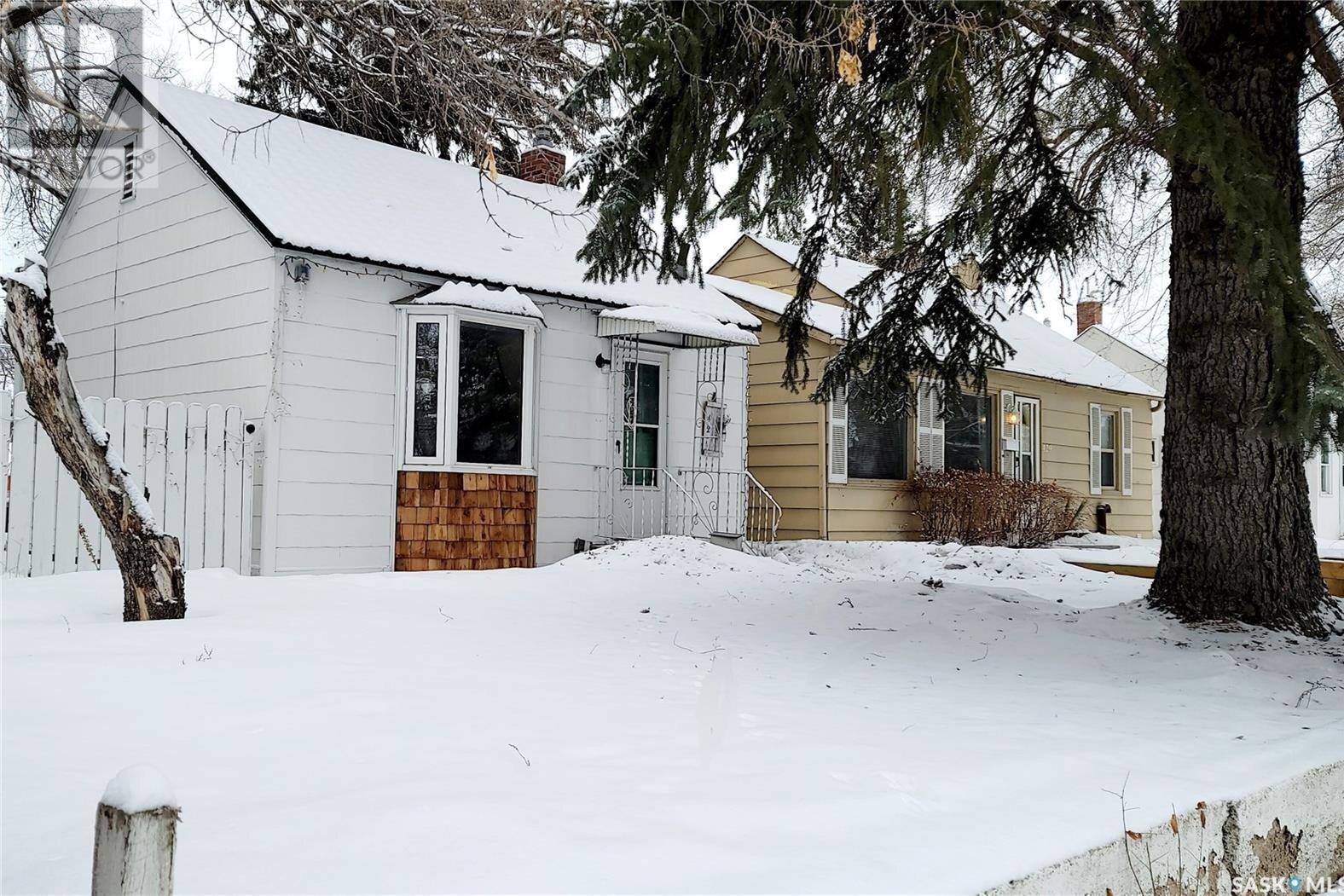 House for sale at 427 Taylor St E Saskatoon Saskatchewan - MLS: SK839252