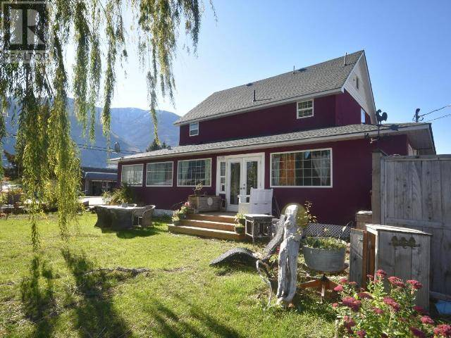 House for sale at 428 7th Ave Keremeos British Columbia - MLS: 181002