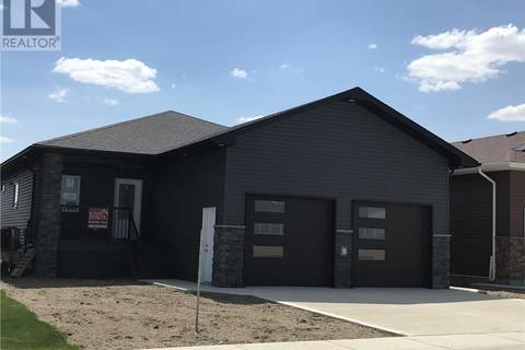 House for sale at 428 Ridgedale St Swift Current Saskatchewan - MLS: SK760622