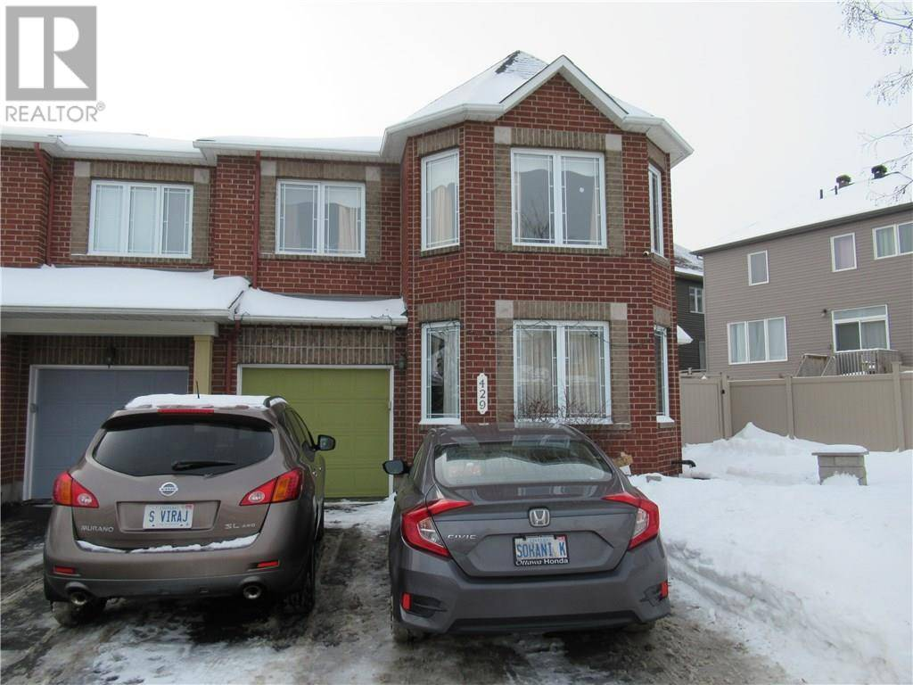 Townhouse for rent at 429 Cresthaven Dr Ottawa Ontario - MLS: 1179735