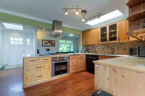 429 27th Street W, North Vancouver | Image 2