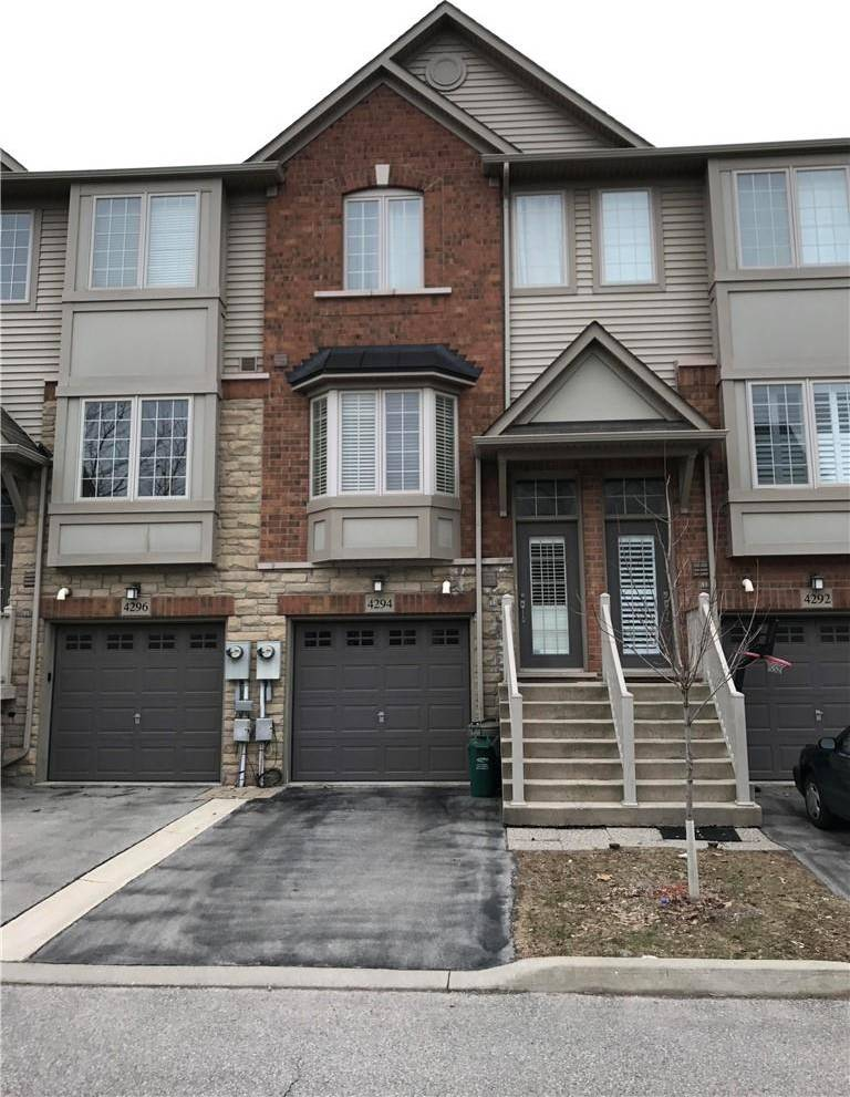 Townhouse for rent at 4294 Ingram Common Burlington Ontario - MLS: H4069645