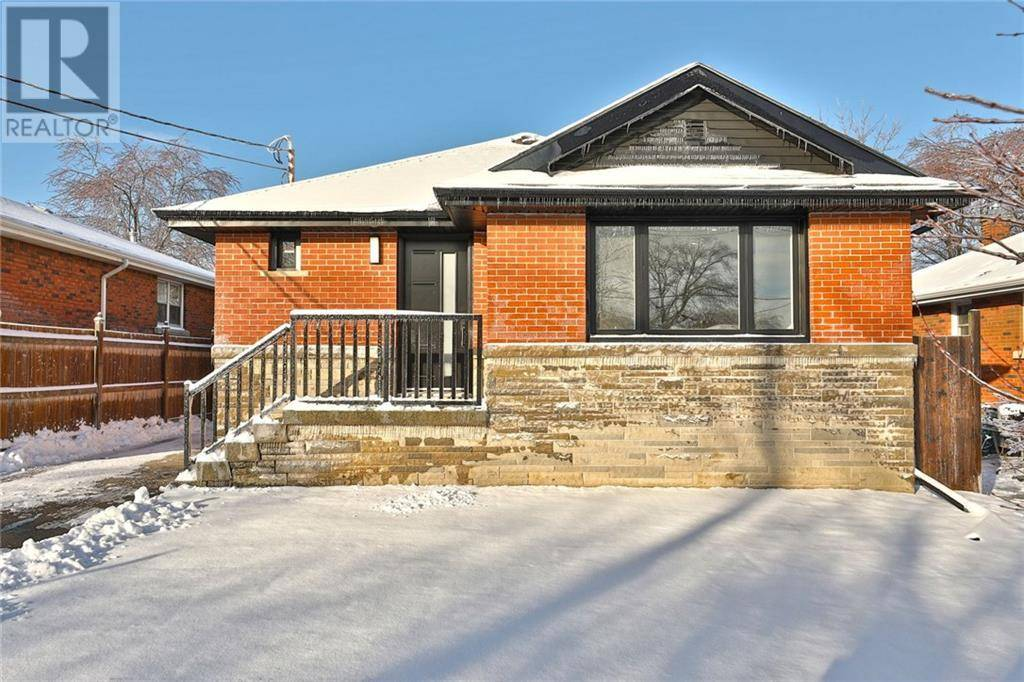 House for sale at 328 East 42nd St East Unit 42nd Hamilton Ontario - MLS: 30780989