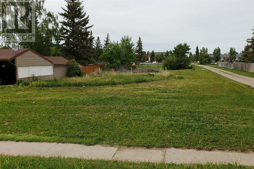 Residential property for sale at 43 200 N Ave North Raymond Alberta - MLS: A1004658