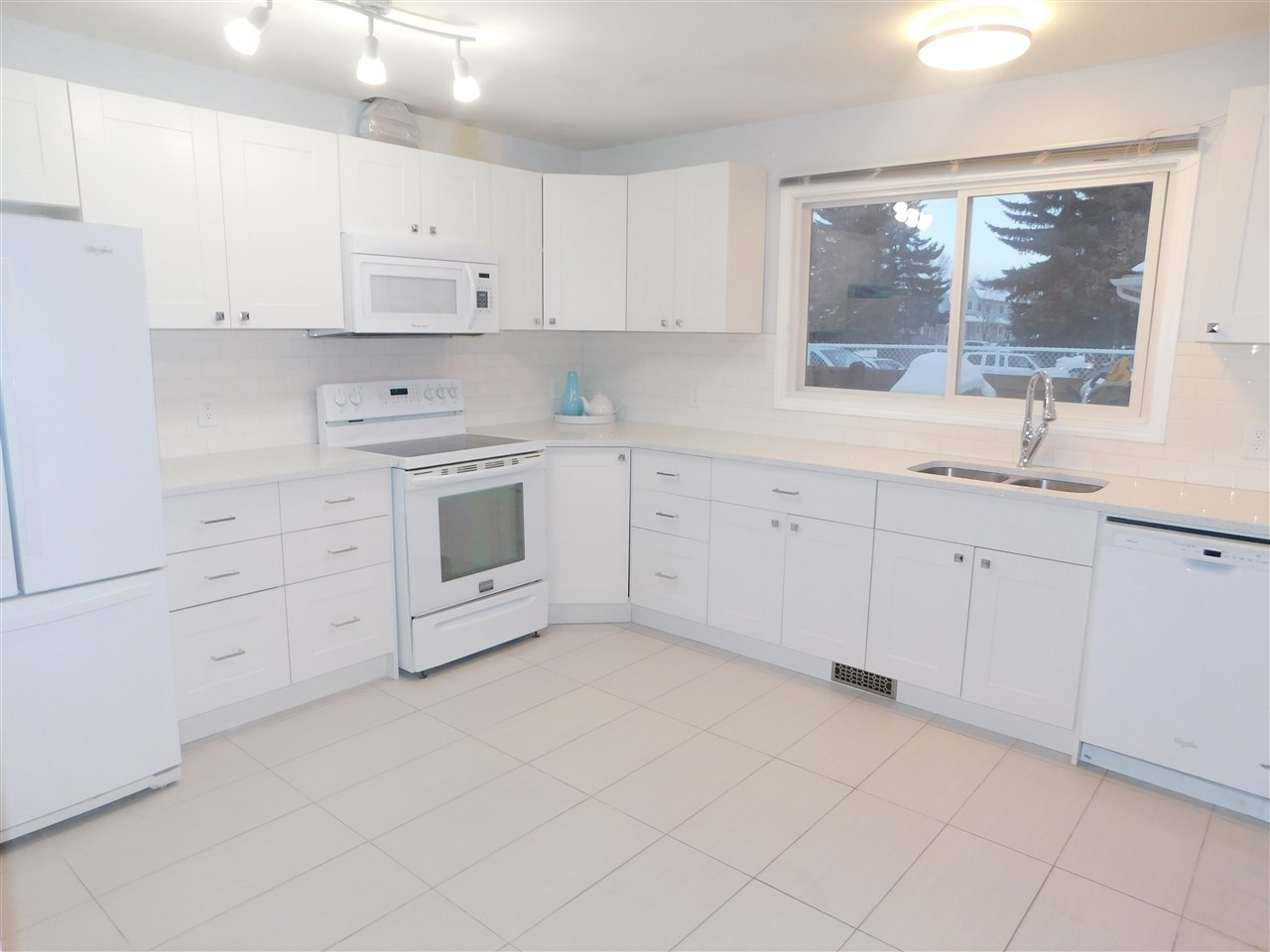 For Sale: 43 - 2131 Oak Street, Sherwood Park, AB | 3 Bed, 2 Bath Townhouse for $248,800. See 9 photos!