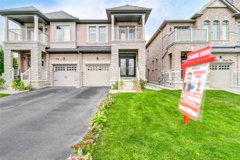 Townhouse for sale at 43 Lesabre Cres Brampton Ontario - MLS: W4564701