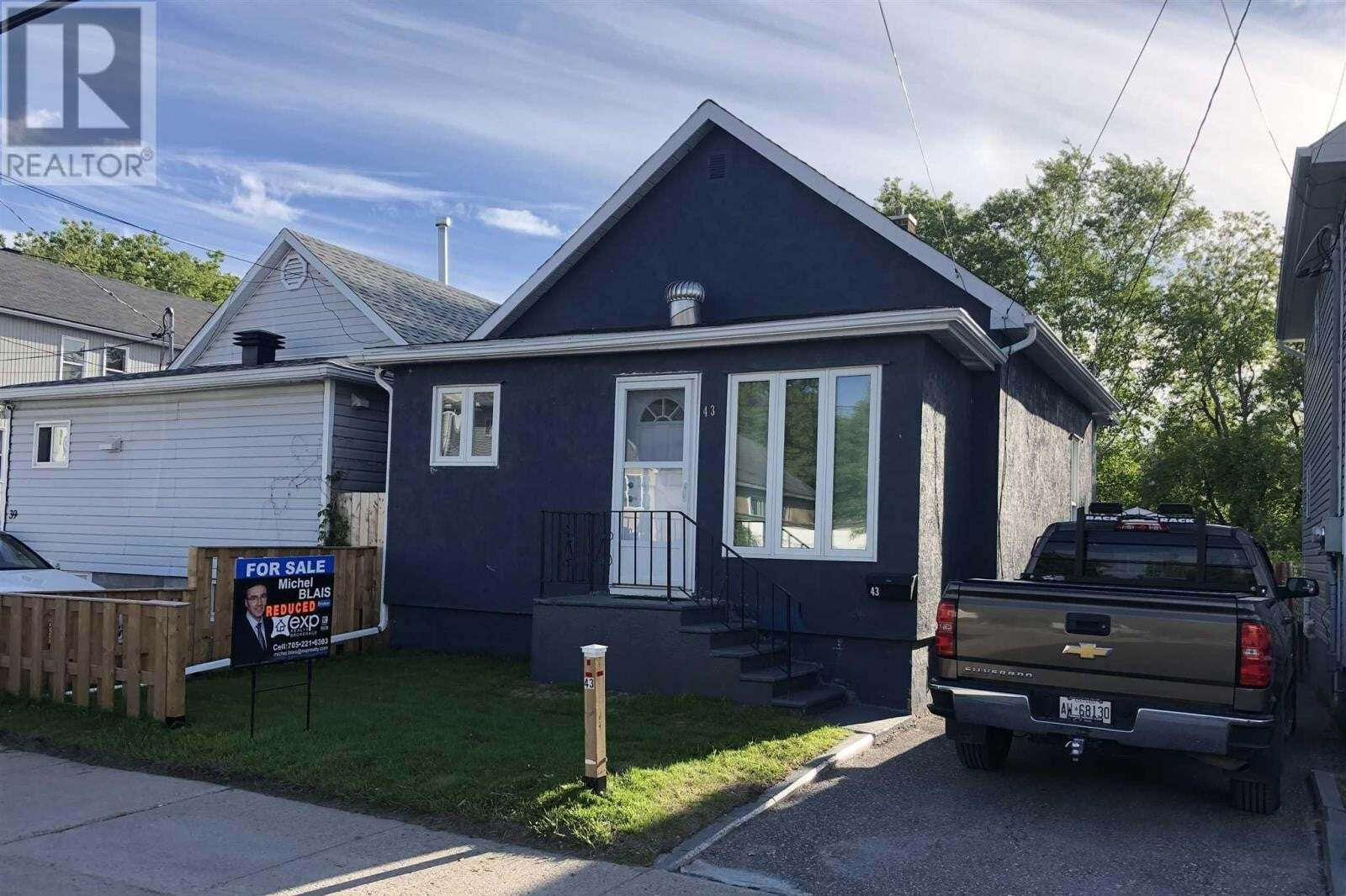House for sale at 43 Maple St N Timmins Ontario - MLS: TM200509
