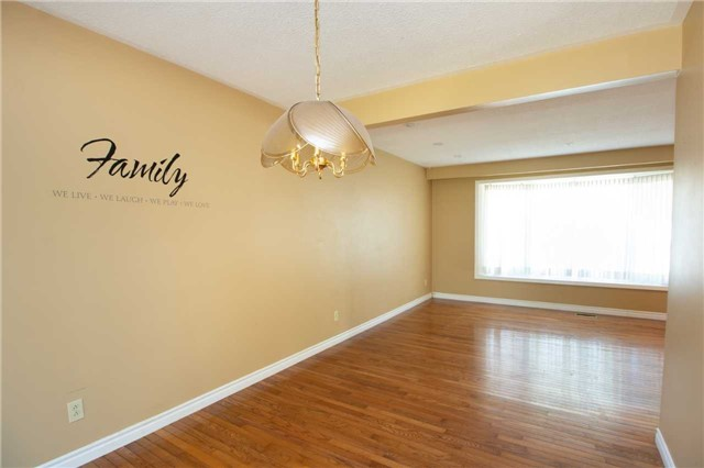For Sale: 43 Sanderling Crescent, Kawartha Lakes, ON   3 Bed, 2 Bath House for $369,900. See 20 photos!
