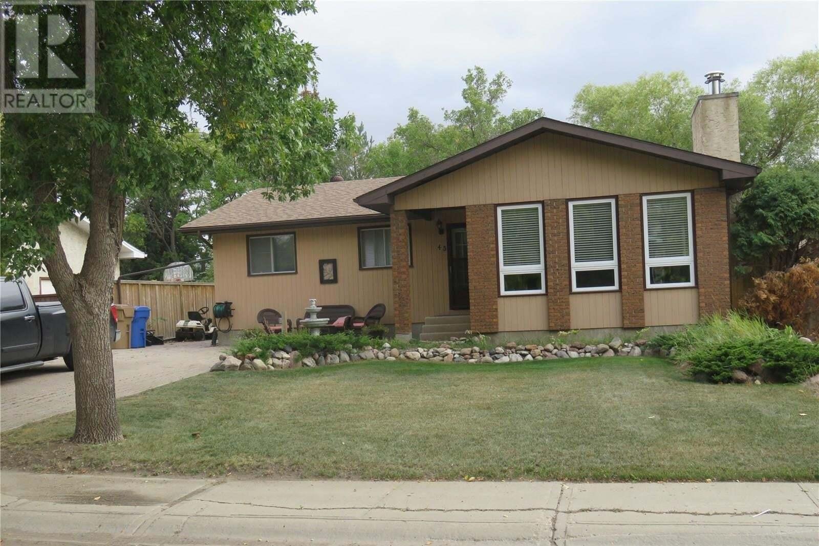House for sale at 43 Watts By Regina Saskatchewan - MLS: SK827153