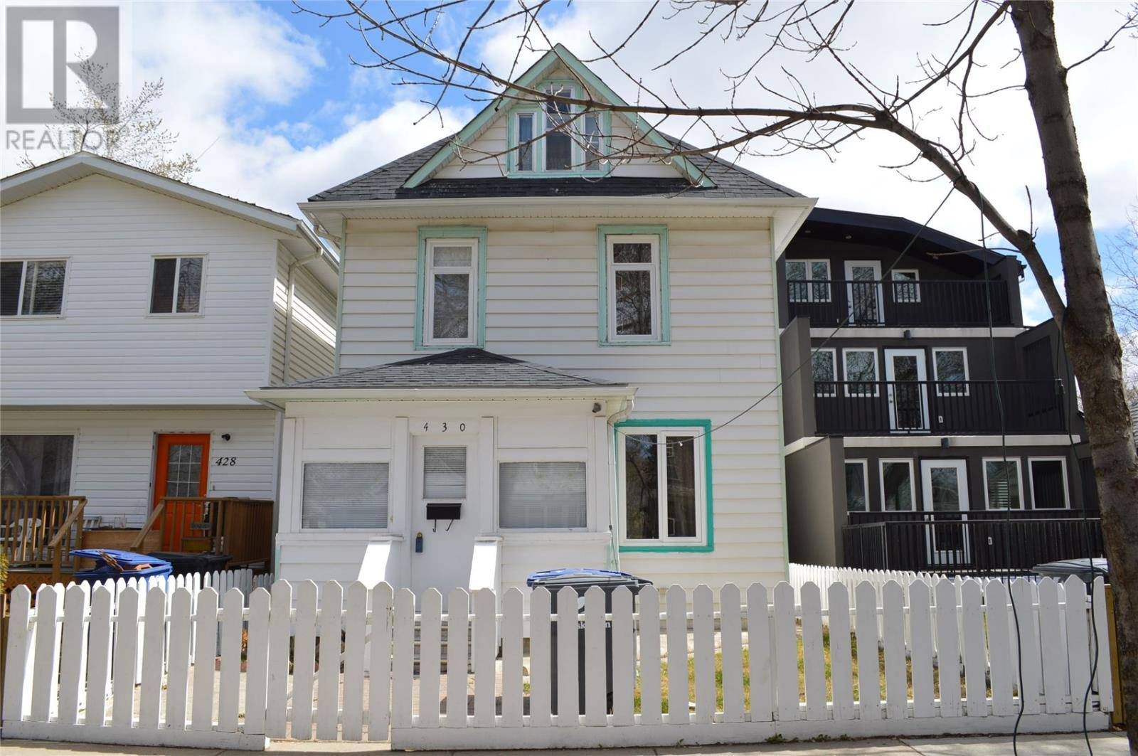House for sale at 430 G Ave S Saskatoon Saskatchewan - MLS: SK766539