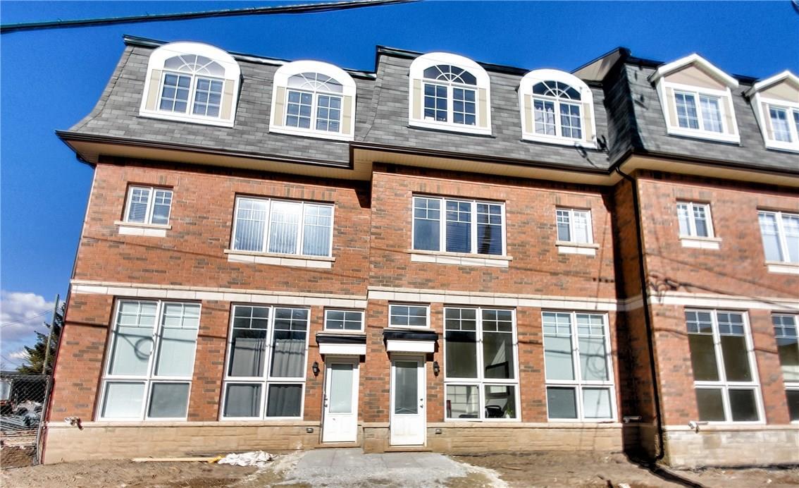 Sold: 4301 - 2420 Baronwood Drive, Oakville, ON