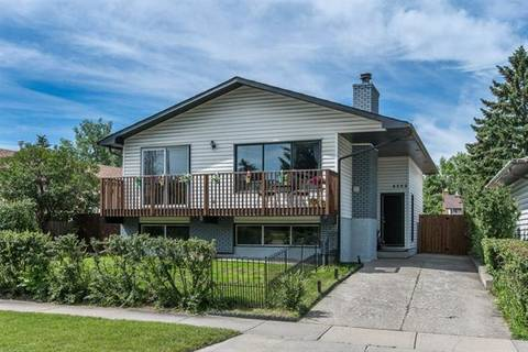 House for sale at 4303 55 St Northeast Calgary Alberta - MLS: C4259004