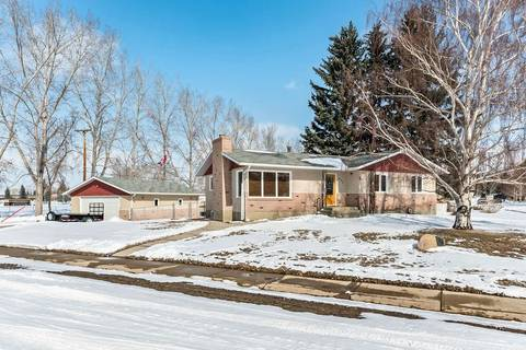 House for sale at 432 4 St North Vulcan Alberta - MLS: C4292775