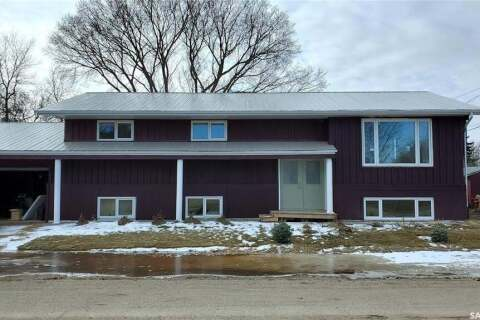 House for sale at 432 Dennis St Herbert Saskatchewan - MLS: SK802891