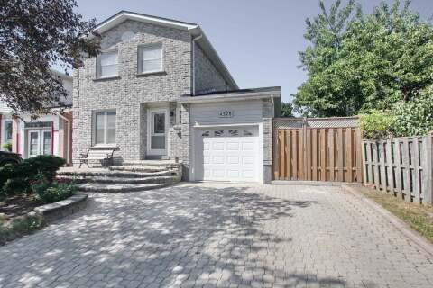 House for sale at 4328 Burnaby Ct Mississauga Ontario - MLS: W4824894