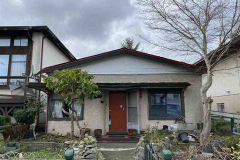 House for sale at 4329 Perry St Vancouver British Columbia - MLS: R2433279