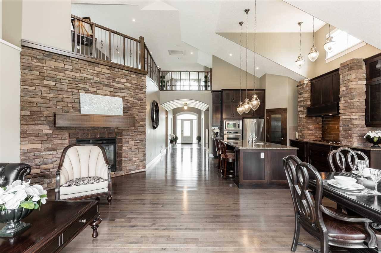 House for sale at 4338 Whitelaw Wy Nw Edmonton Alberta - MLS: E4163794