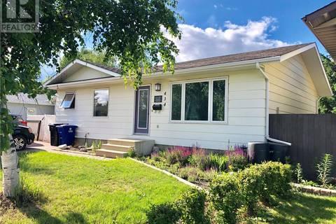 House for sale at 434 Manning Ln Saskatoon Saskatchewan - MLS: SK777978