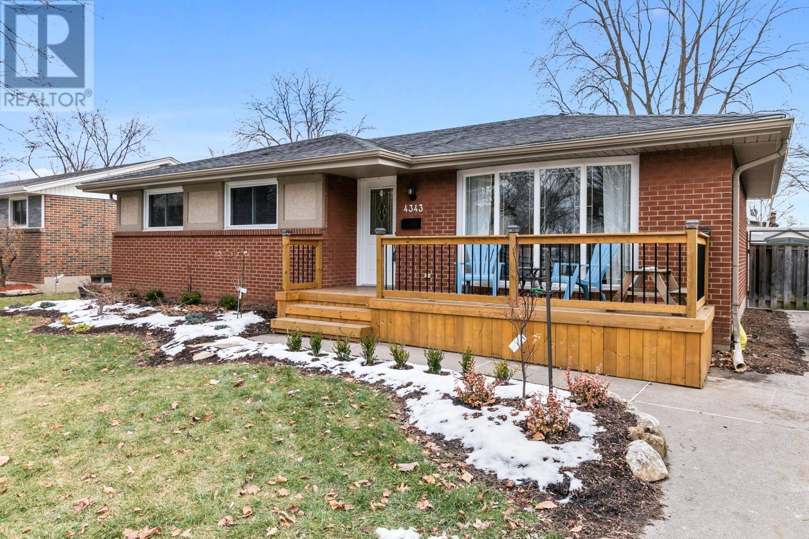 House for sale at 4343 Mitchell  Windsor Ontario - MLS: 20001999