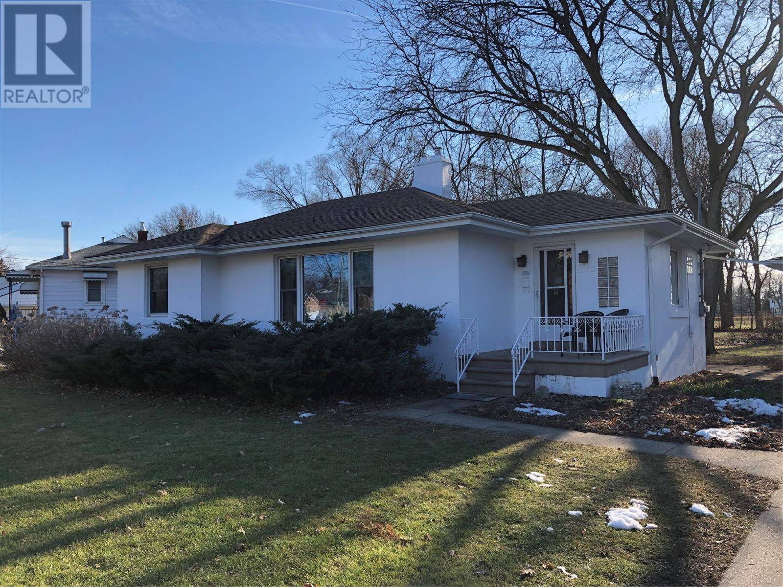 House for sale at 4345 Casgrain  Windsor Ontario - MLS: 20001516