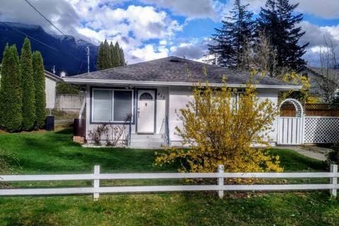 House for sale at 435 Hemlock Ave Hope British Columbia - MLS: R2359839