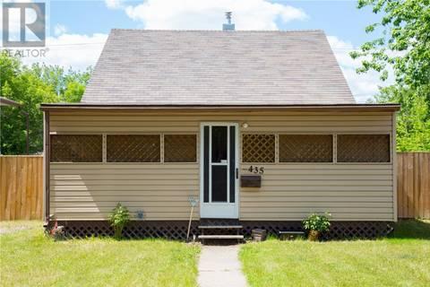 House for sale at 435 I Ave N Saskatoon Saskatchewan - MLS: SK776361