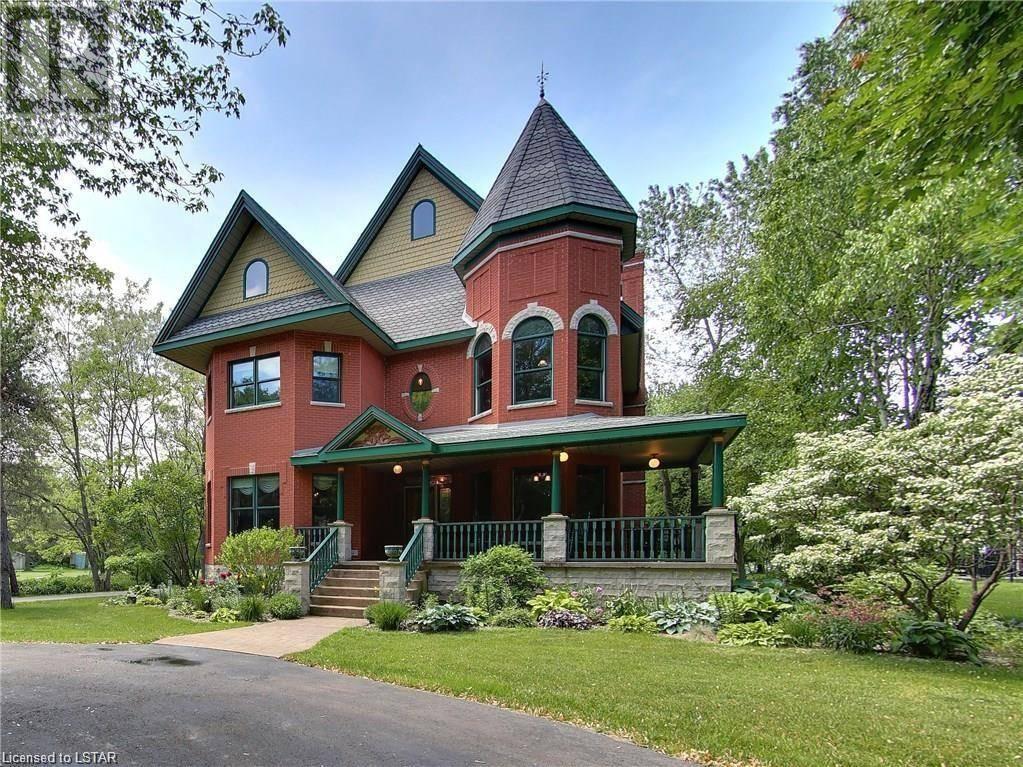 House for sale at 4354 Lakeshore Rd Plympton-wyoming Ontario - MLS: 228013
