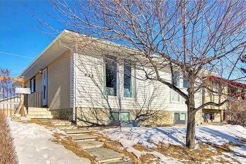 House for sale at 436 72 Ave Northeast Calgary Alberta - MLS: C4288030