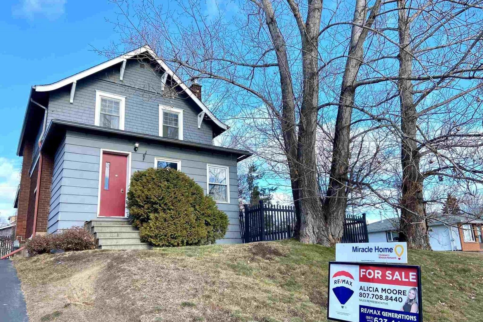 House for sale at 436 Oliver Rd Thunder Bay Ontario - MLS: TB202876