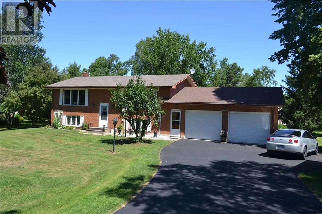 For Sale: 43630 Sparta Line, St Thomas, ON | 2 Bed, 2 Bath House for $337,000. See 21 photos!
