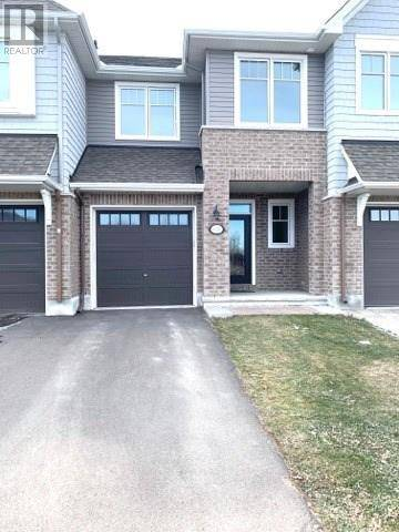 Townhouse for rent at 4376 Kelly Farm Dr Ottawa Ontario - MLS: 1176841