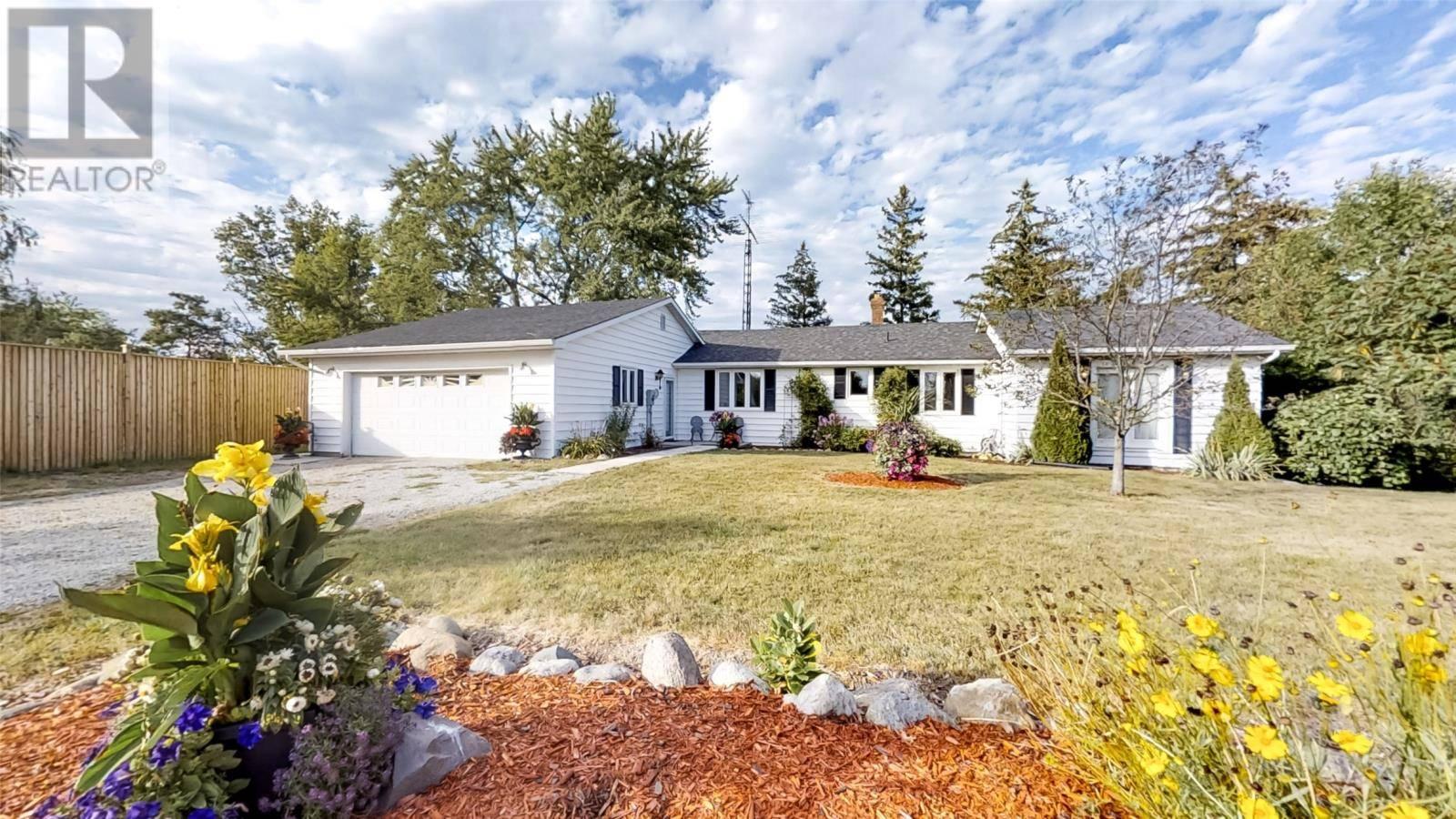 House for sale at 4376 Lambton Ln Plympton-wyoming Ontario - MLS: 19027149