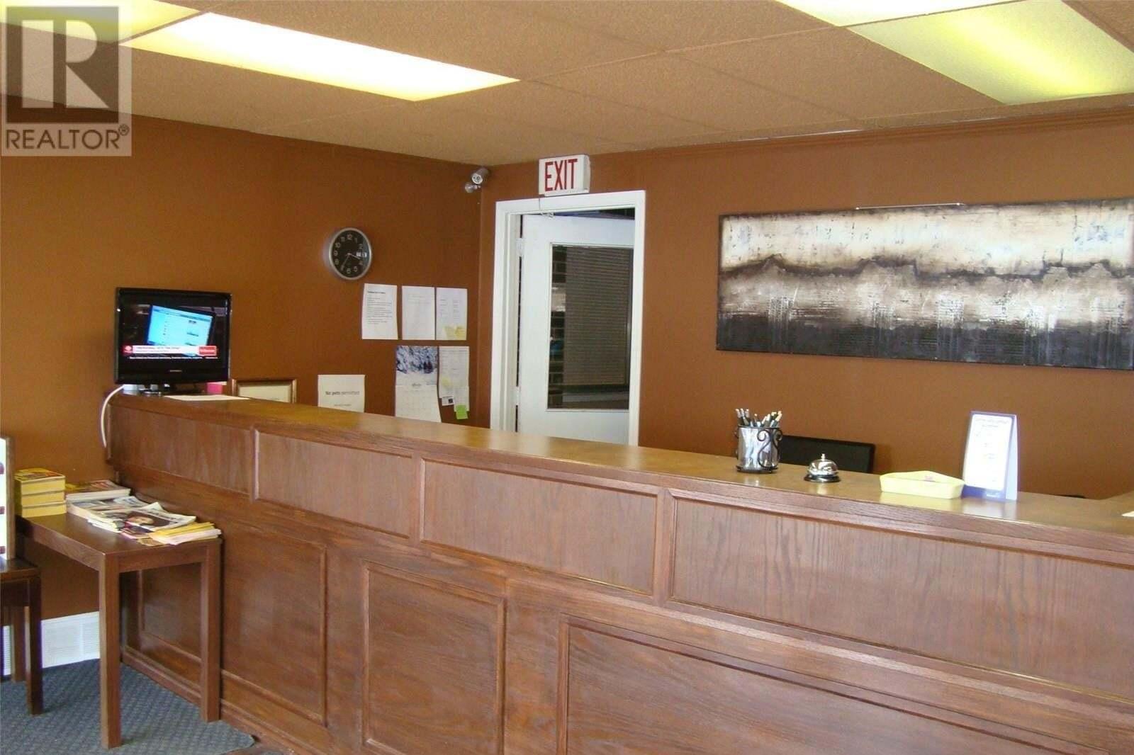 Commercial property for sale at 438 3rd Ave SW Shaunavon Saskatchewan - MLS: SK827439
