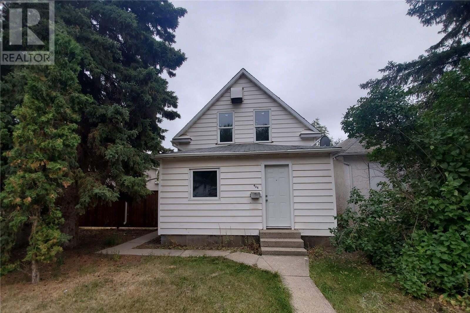 House for sale at 438 S Ave S Saskatoon Saskatchewan - MLS: SK826926
