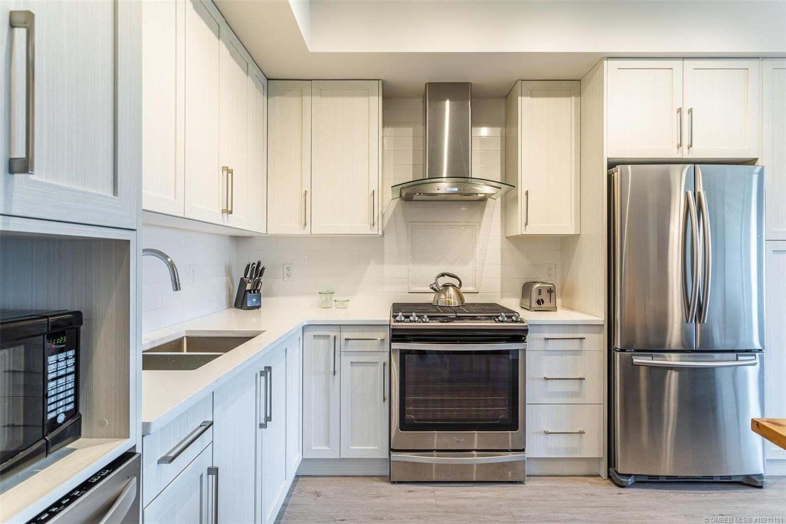 Condo for sale at 4380 Lakeshore Rd Kelowna British Columbia - MLS: 10215101