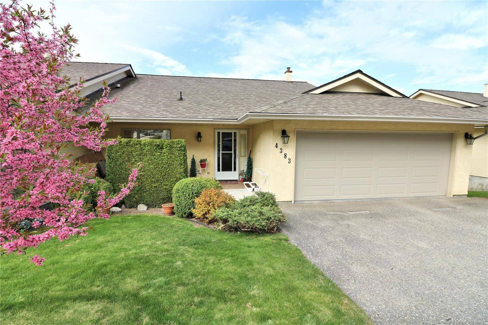 Townhouse for sale at 4383 14 St Northeast Salmon Arm British Columbia - MLS: 10196617