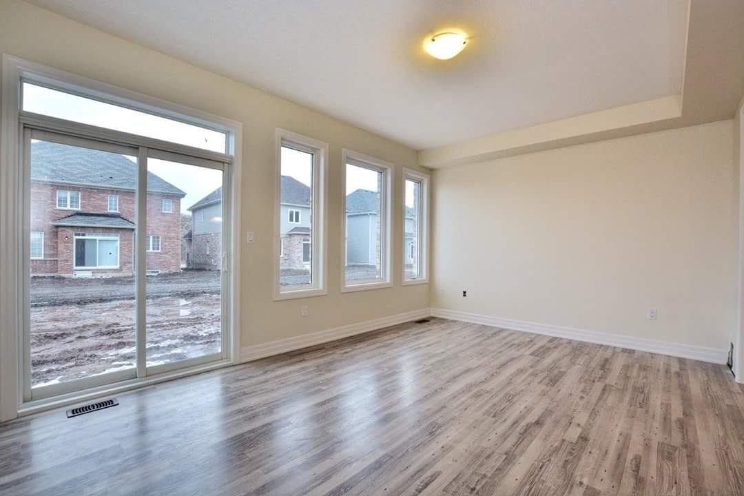 For Rent: 4387 Eclipse Way, Niagara Falls, ON | 3 Bed, 3 Bath House for $1,650. See 19 photos!