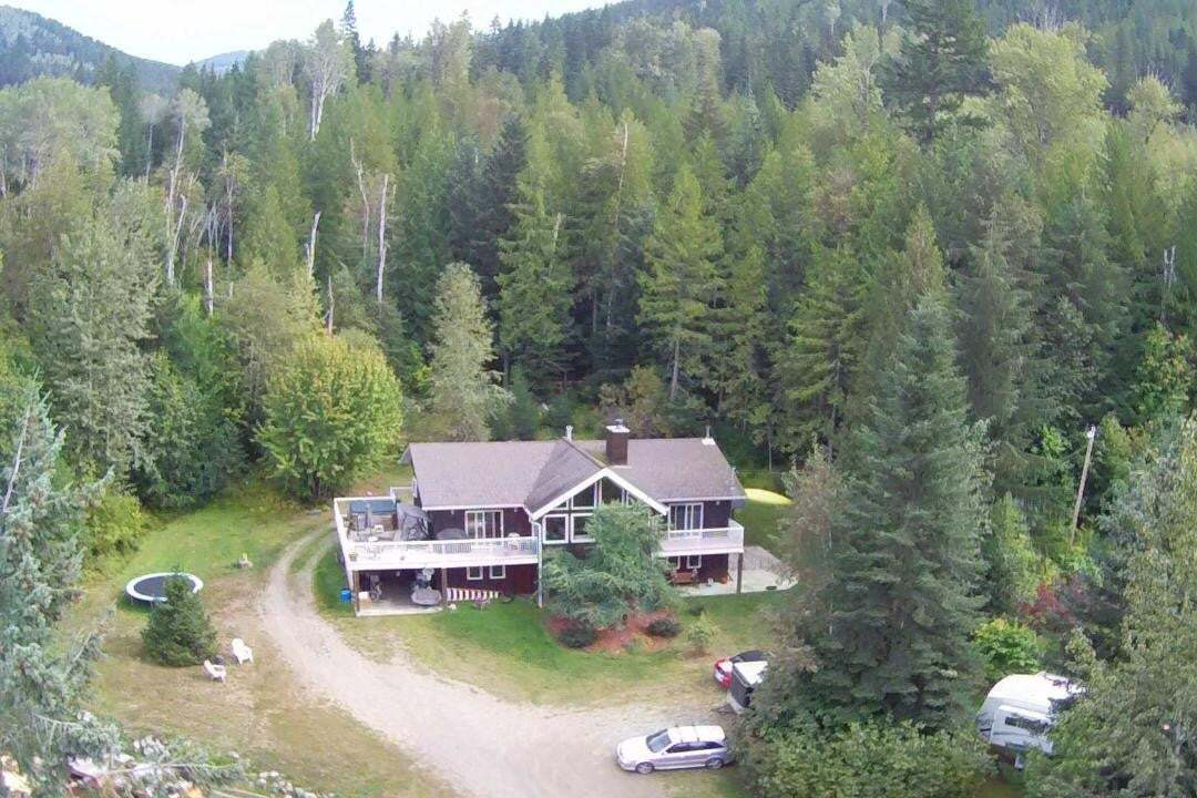 House for sale at 4399 Bird Creek Road  Nelson British Columbia - MLS: 2452458