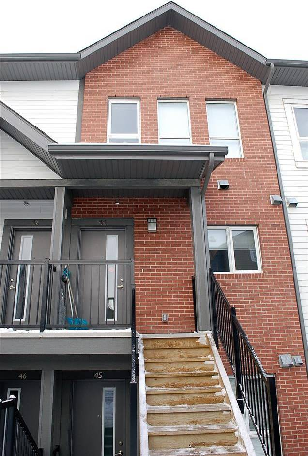 Townhouse for sale at 2560 Pegasus Blvd Nw Unit 44 Edmonton Alberta - MLS: E4183199